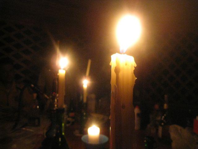 Свечи, бухло, еда, кальян