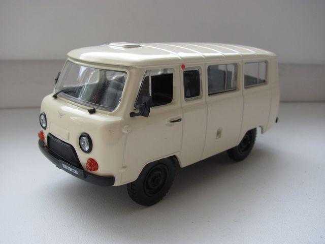 УАЗ-452В/452А.
