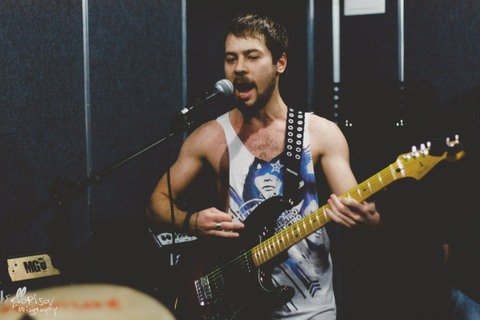 Эрик Borland - Гитара, бэк