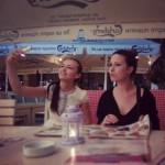 @alina_damaronok селфи -  @magnitafonya губья :)