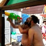 Ну.. пьют ребята пиво :)